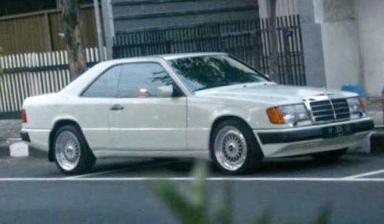 1993 White 300CE 24v Benz ex Gusdur  Visit on audinwest.blogspot.com