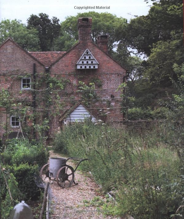Book; Perfect English Farmhouse:  Ros Byam Shaw: Books