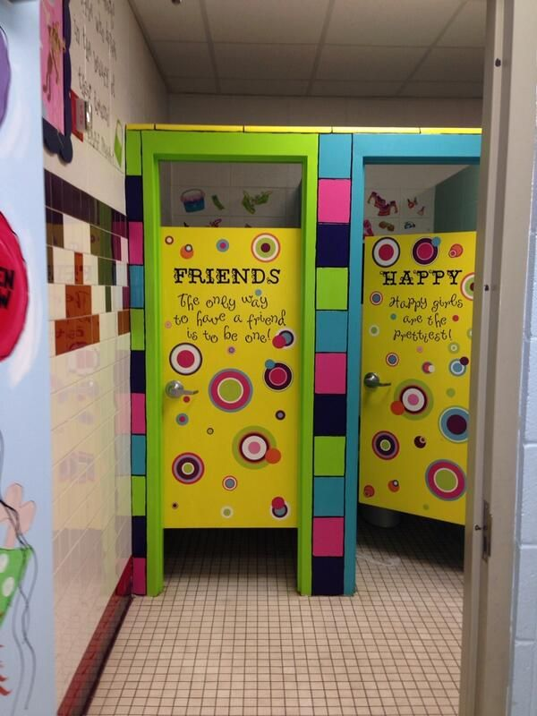 Cute idea for girls and boys bathrooms they may not mess for Cute bathroom ideas for college