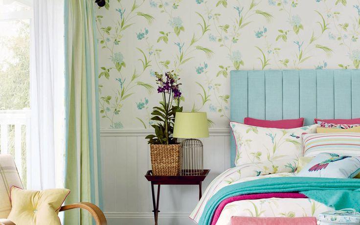 best 25 green floral wallpaper ideas on pinterest green wallpaper vintage wallpaper patterns. Black Bedroom Furniture Sets. Home Design Ideas