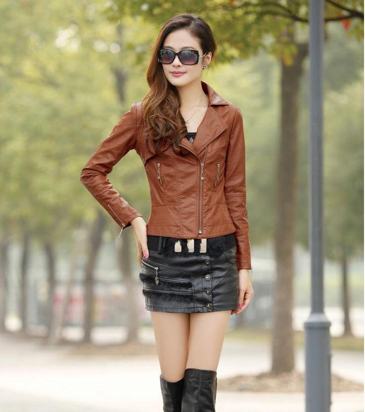 Este estilo de chaqueta de cuero recortada es unos de las tendencias mas requeridas en el mercado de la moda.   https://www.facebook.com/pages/Kitykatblog/463047033788030?fref=ts
