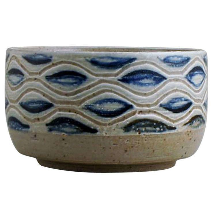 Royal Copenhagen ceramic bowl by Eva Staehr-Nielsen. Modern design, approx. 1970