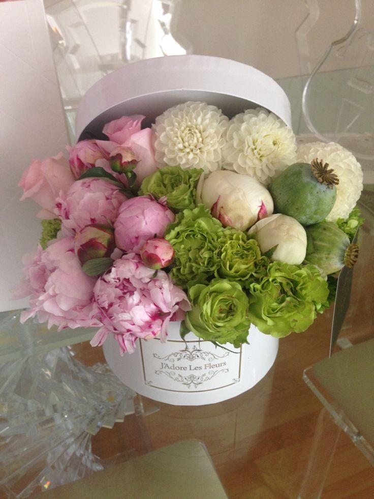 J'Adore Les Fleurs , Studio City CA