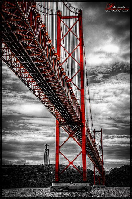 Lisbon bridge, ponte 25 de Abril - Portugal                              …