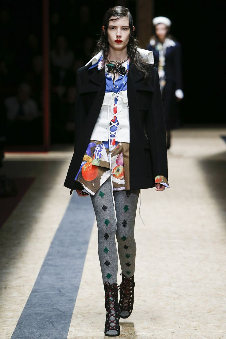 Prada Fall 2016 Ready-to-Wear Fashion Show http://www.theclosetfeminist.ca/ http://www.vogue.com/fashion-shows/fall-2016-ready-to-wear/prada/slideshow/collection#2