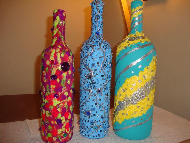 Botellas decoradas con pintura acrilica y cuentas de colores arte reciclado pinterest pintura - Botellas decoradas manualidades ...