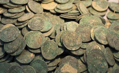 600 kilos de monedas romanas descubiertas en Tomares (Sevilla) | La cámara del arte