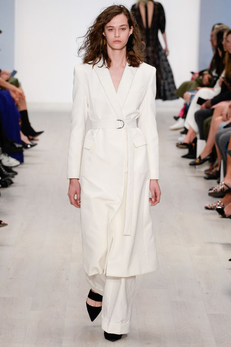 See the complete Bianca Spender Australia Resort 2018 collection.