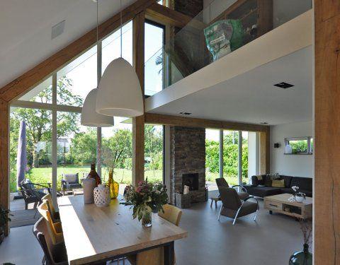Interieur schuurwoning, met houten spanten, mooie vide, mooi interieur.