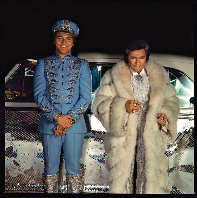 Annie Leibovitz, 'Liberace and Scott Thorson, Las Vegas, Nevada,' 1981, Sundaram Tagore Gallery