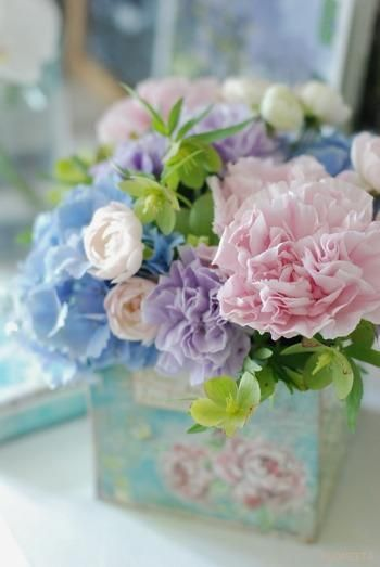 Spring pastel flower arrangement - cute for babies!