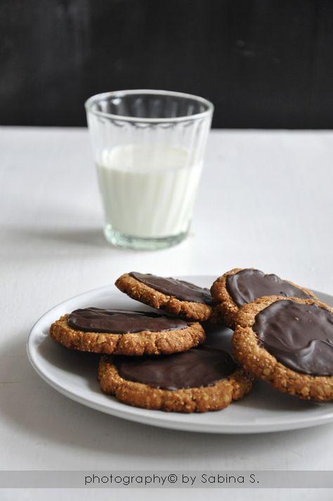 Biscotti integrali con avena e cioccolato