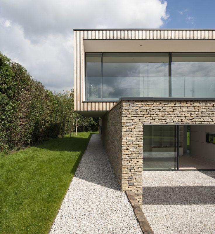 新築住宅の外観アイディア10選 箱型なナウトレンドデザイン: Galería De Hurst House / John Pardey Architects + Ström Architects - 1