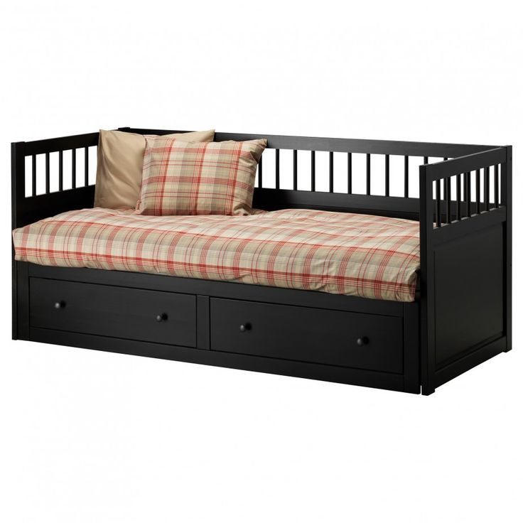 Portrayal of Enjoy Amusing Relaxing Moments with Adorable Queen Size Daybed Frames