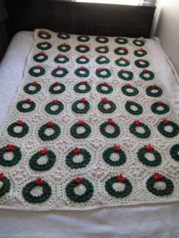 crocheted CHRISTMAS WREATH afghan