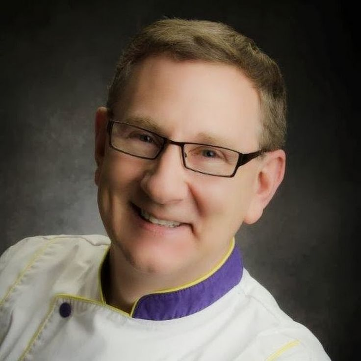 World-renowned chef Alan Tetreault established Global Sugar Art LLC in Plattsburgh, New York in 2002. Alan's vision was to offer the cake decorating communit...