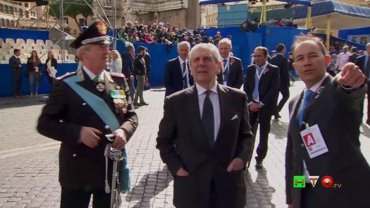 2 Giugno 2016 - Festa della Repubblica - Arrivo del pubblico, ospiti ed ...