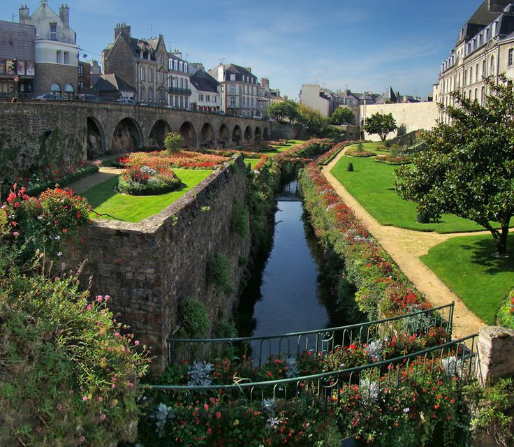 Vannes dans le Morbihan / Vannes, Britanny, France-a must visit  to see my co worker and her family with my hub