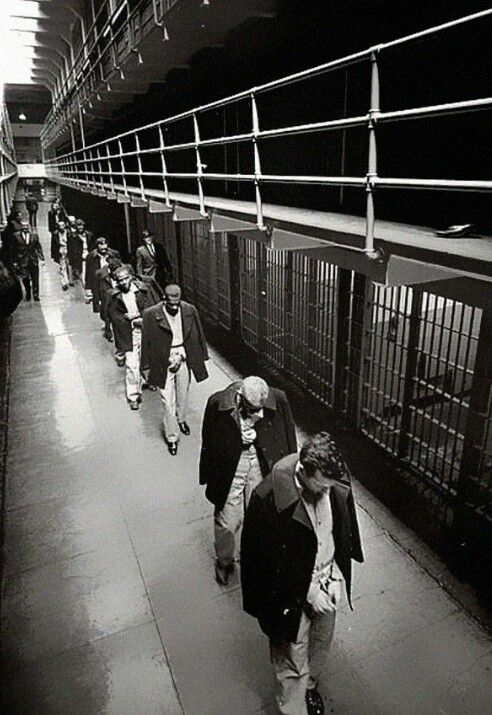 Last prisoners of Alcatraz leaving in 1963..
