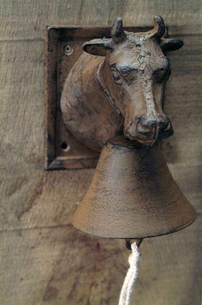 Öntöttvas kolomp szarvasmarha mintával.