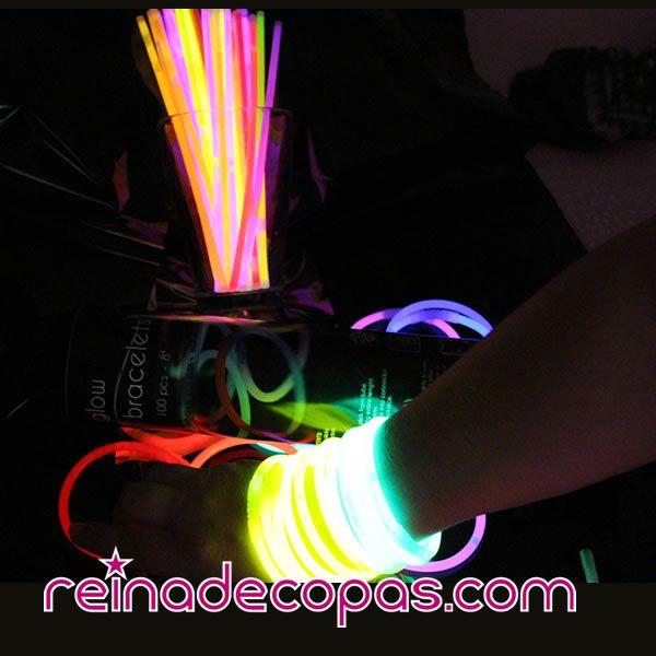 Elige los colores que quieras, o hazte con un surtido de todos los colores de Pulseras Luminosas www.reinadecopas.com