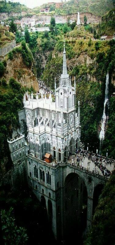Santuario de las lajas //1916 - 1949//Ipiales, Colombia -Lucindo Espinosa, J. Gualberto Pérez