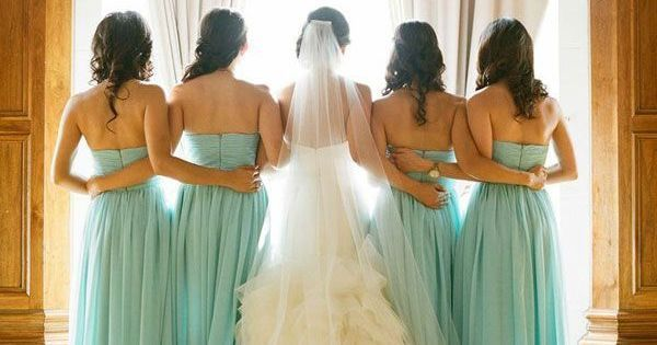 Wedding Photography, Wedding Photography Tips, Wedding Photography Tutorials, Wedding Photos, Photo Tips, Wedding Poses, Bridal Party Pose, Bride and Groom, Bride Pose, Groom Pose #weddingphotographyposes #photographytutorials
