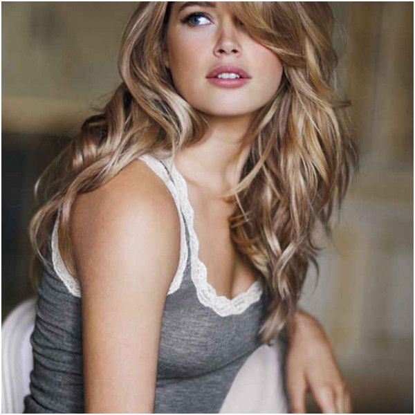 27 Side Bangs Wavy Hair In 2020 Long Layered Hair Long Layered Haircuts Layered Hair With Bangs