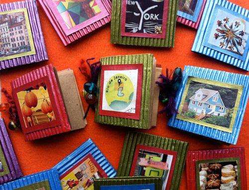 Mini journalsMinis Book, Art Journals, Blessed Journals, Crafts Projects, Minis Journals, Mini Books, Coffee Sleeve Books, Art Book, Sleeve Minis
