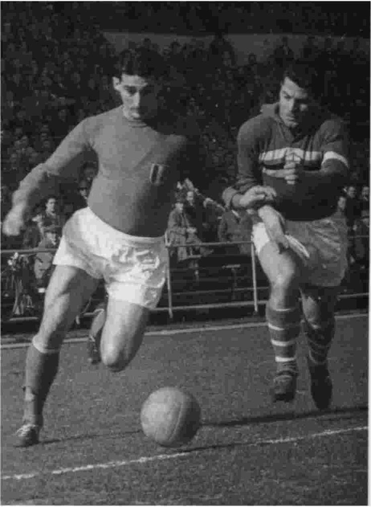 Júlio Botelho, also known as Julinho 29 July 1929 in São Paulo – 10 January 2003) was a Brazilian football (soccer) player. He was primarily a right winger. Known for his dribbling and powerful shot, Julinho was one of the greatest wingers in football history. He was selected in the World Soccer Magazine world XI in 1960.