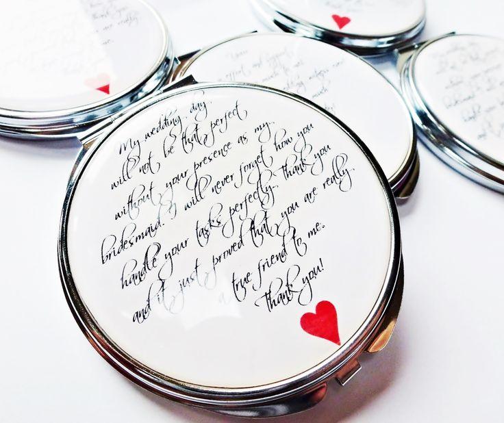 zrcátko+Srdeční+záležitost+elegantní+a+decentní+design+s+motivem+srdce+v+jednoduchosti+je+krása+milý+i+praktický+dárek+nejen+pro+dámy+na+svatbě+-+družičky,+svědkyně,+svatební+maminky+na+přání+doplním+váš+text,+jméno,+iniciály...+barvu+podkladu+i+srdce+můžu+změnit+vlastní+grafickézpracování+motiv+přikrytý+epoxy+čočkou,+která+imituje+vzhled+křišťálové+...