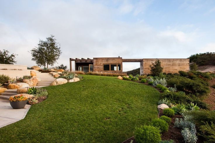 Toro Canyon House  / Bestor Architecture