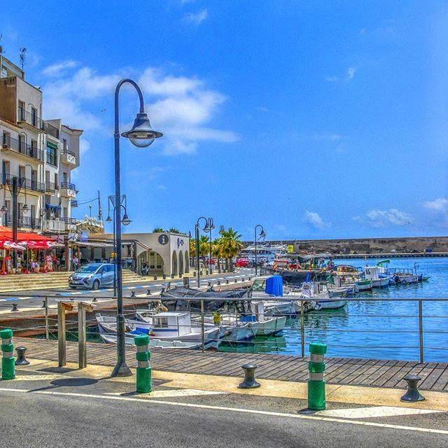 #Photo @gassau #ametllademar #ametllamar #tarragona #catalunya #catalogne #cataluña #catalonia #pesca #fishing #pêche #platja #playa #plage #beach #estiu #verano #été #summer #sun #vacances #vacaciones #holiday #traveling #viajes #travel #visit #eatheword #vamosdeviaje #voyage #escapadas #experiences #traveller #food #gastronomia #gastronomy #happyholidays #mediterrani #mediterraneo #mediterranean #visiting #vacation #trip #tourism #tourist #reservadelabiosfera