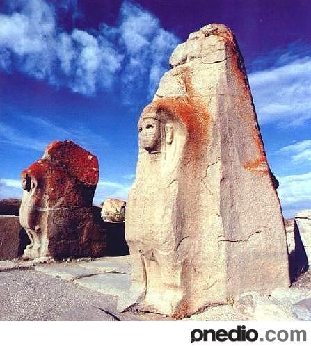Hittite sphix guardians at Alacahöyük
