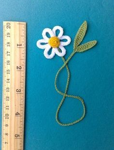 Crochet Bookmark - Daisie.  As a bookmark you can use to save a page in books, diaries, paper notebooks etc. Bookmark llength about 28 cm (11 in)  Good gift for admirers to read, bibliophiles, a gift to the teacher, school student, student.  I can make the interesting color and quantity. Please let me know if you need additional pieces.  All items in the shop: https://www.etsy.com/ru/shop/ElenaGift