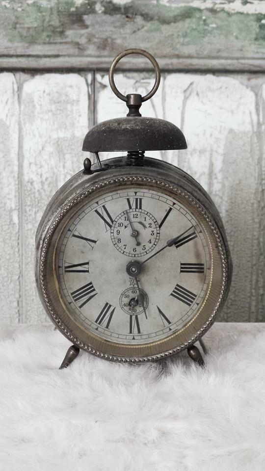 hier zie je het model van welke klok ik heb gebruikt voor mijn klok op het masker