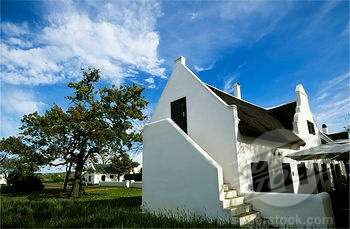 SOUTH AFRICA, NEAR CAPE TOWN, STELLENBOSCH WINE COUNTRY, SPIER ESTATE, DUTCH COLONIAL ARCHITECTURE (4163-7636 / 10046870 © Wolfgang Kaehler)