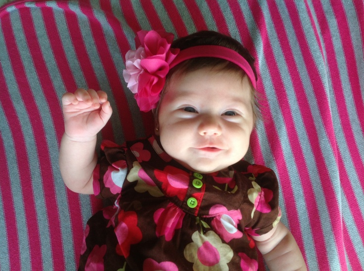 Gabriella ...sonriendo por primera vez!