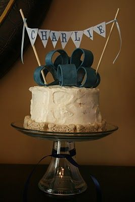I love this doggy birthday party or paw-ty! I made this cake for his 1yr B-day party and the doggies loved it.