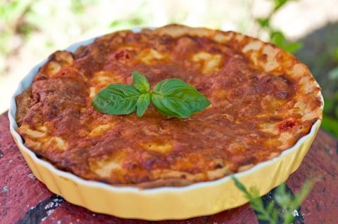 Suvin tomaatti-mozzarellapiiras