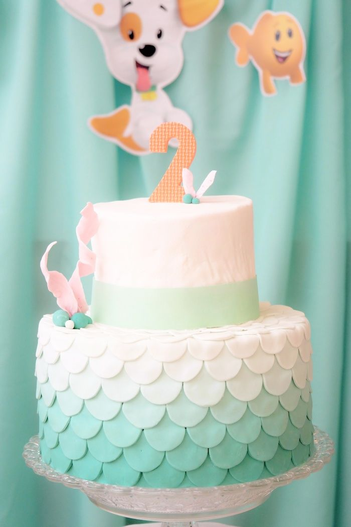 Bubble Guppies themed birthday party with SO MANY REALLY CUTE IDEAS via Kara's Party Ideas! Full of decorating ideas, cake, cupcakes, favors, games, and more! KarasPartyIdeas.com #bubbleguppies #nickjr #bubbleguppiesparty #partystyling #partyideas #eventstyling #partyplanning #partydecor (8)