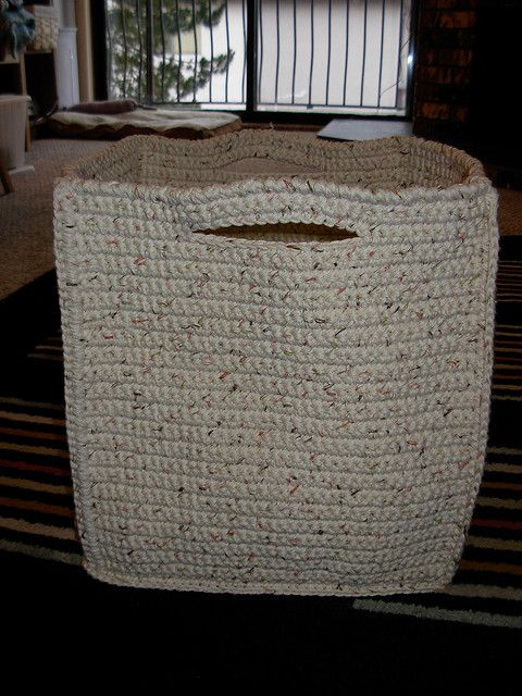 Crochet Basket - Tutorial - Crochet basket to hold all my crochet stuff.... GENIUS!! Yeah right, in my dreams