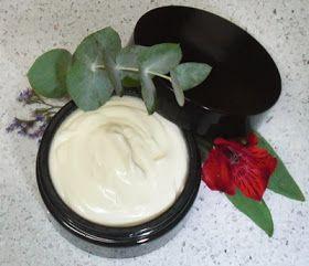 Crema corporal con manteca de Kokum y aceite de Kukui.
