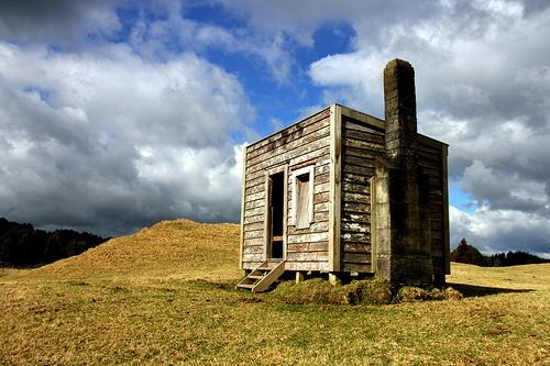 Old cabin, Mamaku, Rotorua, Bay of Plenty, New Zealand