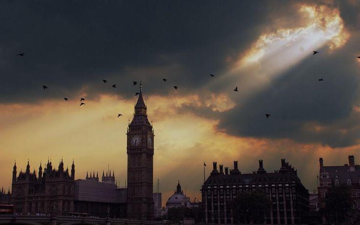 Wow! We love London so much http://LDN.in/MCzjvS pic.twitter.com/znVEJZEEjP