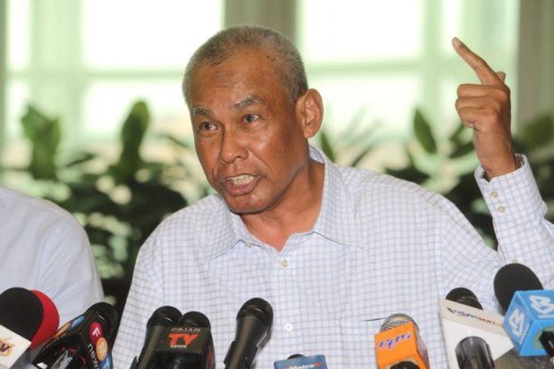 Najib told me 'do your job' and arrest Razak Baginda, former IGP reveals