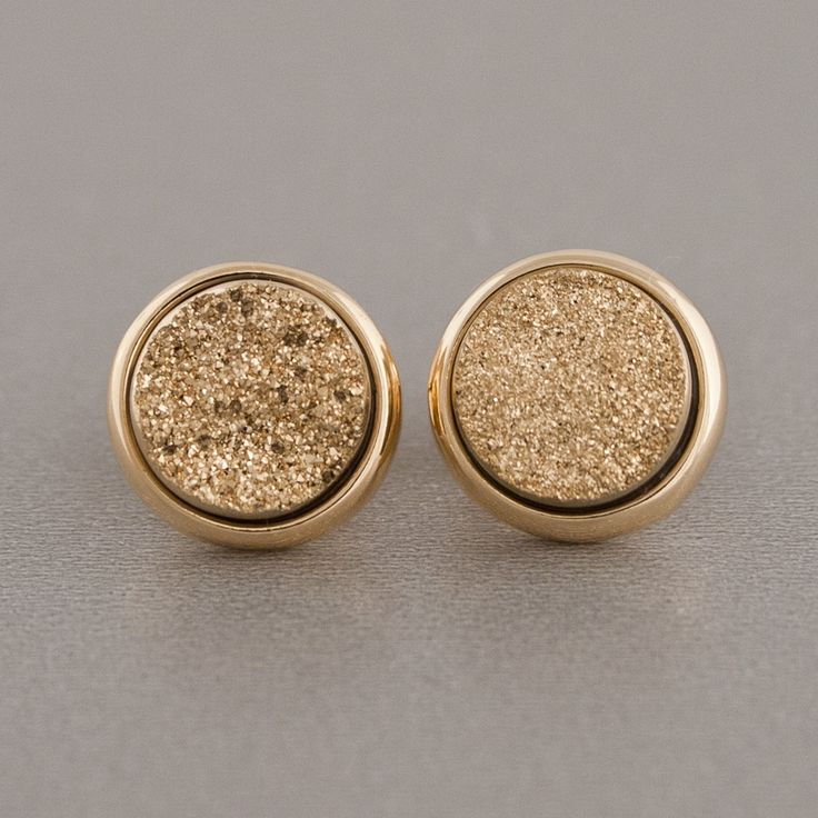 sparkly gold studs: Gold Glitter, Druzy Ears, Studs Earrings, Druzy Earrings, Metals Druzy, Gold Sparkle, Accessories, Gold Earrings, Gold Studs