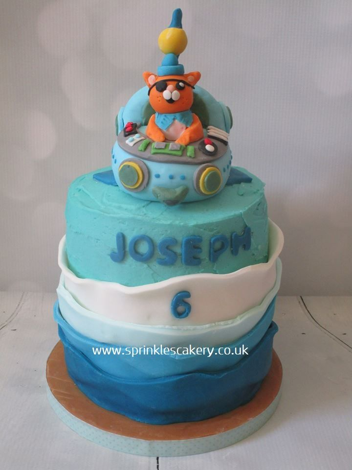 Part buttercream and part fondant covered cake finished with a handmade edible topper. Although this cake was for a 6 year old Octonauts super fan (who celebrated his birthday at the local aquarium with friends), this would also be a great cake for a toddler / pre-schooler.