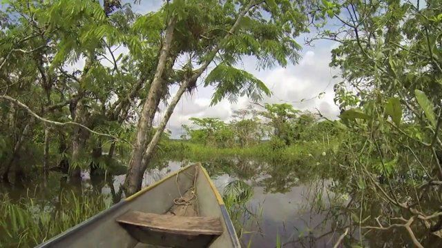 Introducing... Ecuador! The footage for this edit was shot solely on a GoPro Hero3 (Black Edition) in 1080p, following the death of our Canon G12 (let's not get into it) in Peru. Audio Credit: Mr. Polite - The Jungle Giants
