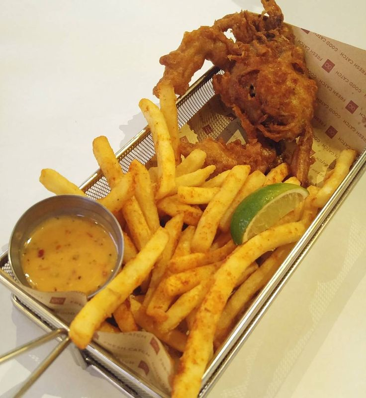 Sometimes The Fries Steals the Show! Soft Shell Crab + Cajun Fries